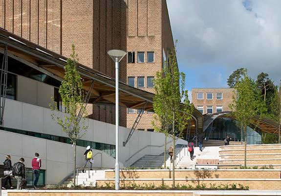 An inspiring new campus centrepiece - Sir Robert McAlpine